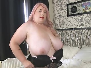 Kiki Rainbow Big Baps Munching And Fuck Stick Fuckin