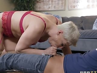 Lithe Cougar Ryan Keely Gets A Cum-shot After A Hard-core Fuck