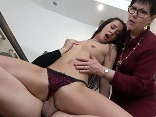 Lovely Chick Gets Her Cunt Pounded While Voayer Matures Witnesses