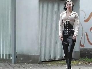 Lady Black Spandex Miniskirt Outdoor