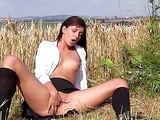 Solo Lady Treats Her Slit With Eagerness And Passion